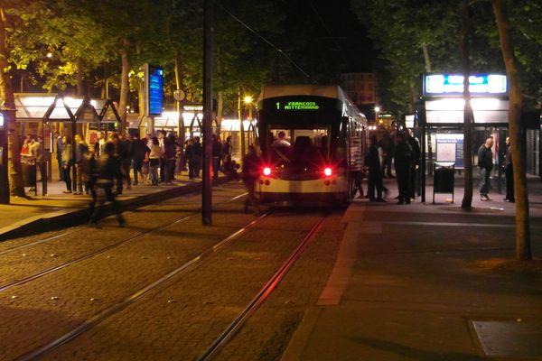 Les agents de la Tan demandent plus de sécurité autour de l'arrête Commerce à Nantes