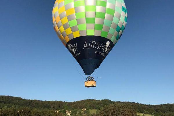 La société Airshow offre chaque semaine 10 vols en montgolfière aux personnes en première ligne dans la lutte contre le coronavirus.