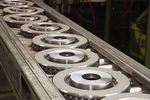 Le site du groupe PSA à Dompierre-sur-Besbre (Allier) cherche à recruter des usineurs pour des postes disponibles en 2018 et 2019.