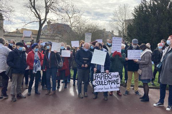 Rassemblement du 2 février devant la préfecture de Caen pour soutenir Souleymane