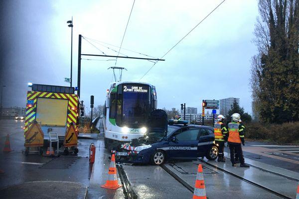 Accident tram contre voiture de gendarmerie, le 3 décembre 2020 à Nantes