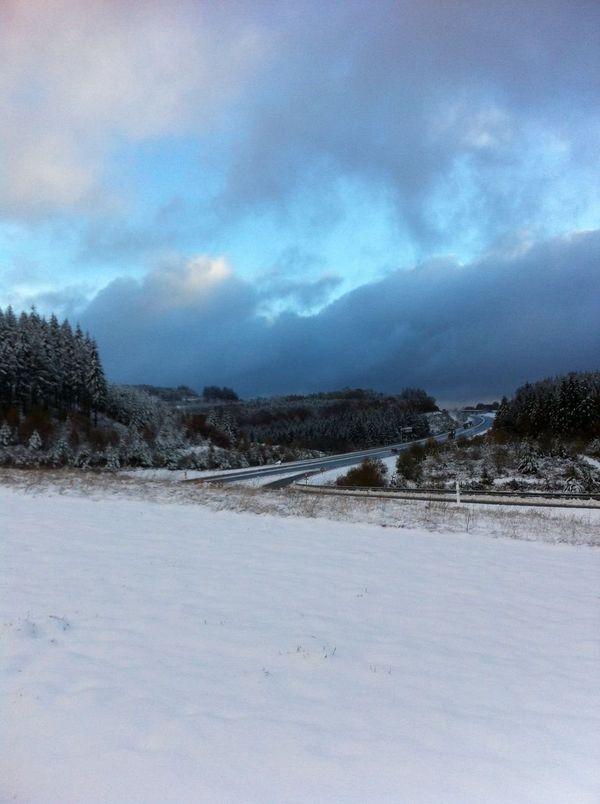 Neige en Corrèze, 21-11-2013 ( région d'Egletons, près de l'A89)