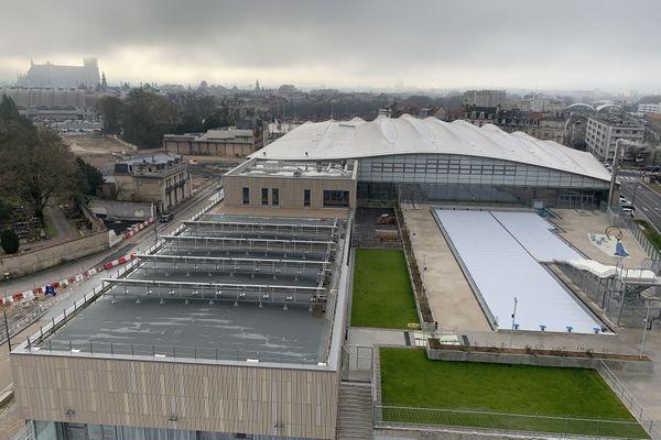 Le tout nouveau complexe aqualudique de Reims ne peut toujours pas accueillir le public, à cause de la crise sanitaire.