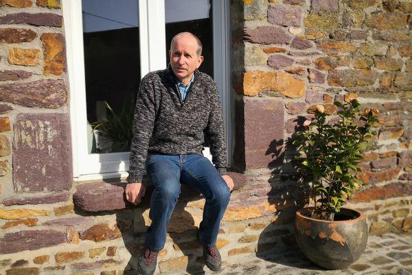 Hervé Béasse agriculteur en Ille-et-Vilaine a été l'un des premiers à être confronté à la crise de la vache folle en Bretagne, en 1991
