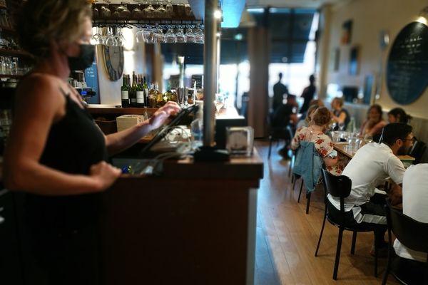 Retour du service en salle dans les restaurants, avec une jauge limitée à 50 %.