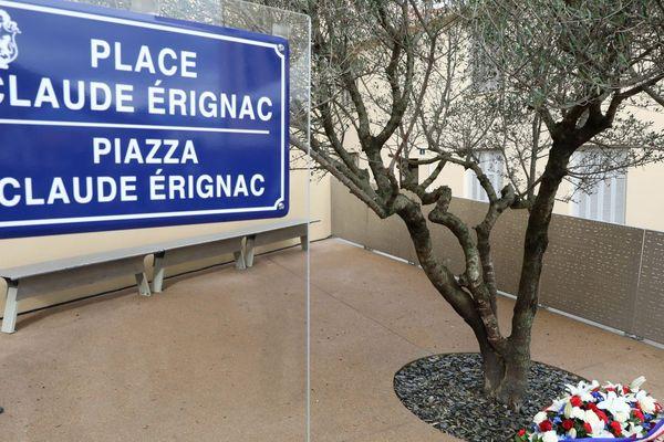 06/02/2018 - Une place a été inaugurée en l'honneur du préfet Claude Erignac, assassiné le 6 février 1998, à Ajaccio (Corse du Sud)