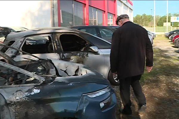 Douze véhicules ont brûlé sur la parking du garage de Bernard Boyer