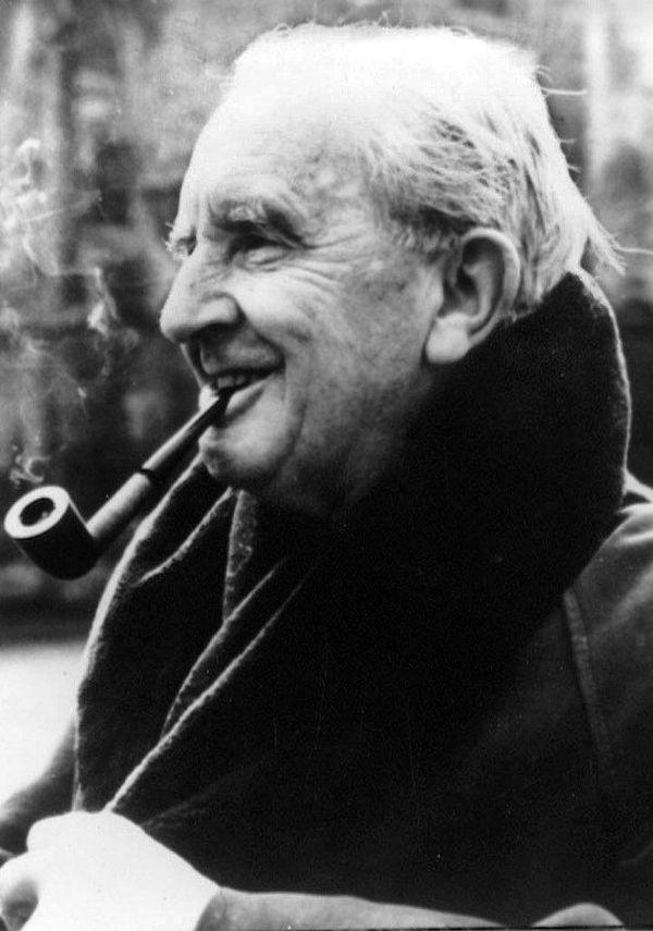 L'écrivain anglais JRR Tolkien a laissé derrière lui une oeuvre foisonnante et unique.