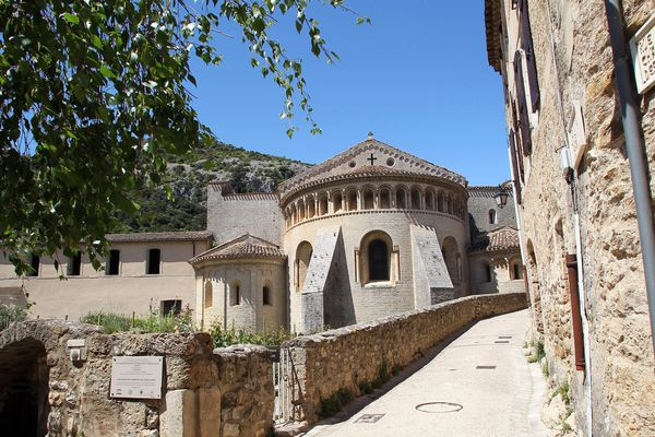 Le village de Saint-Guilhem-le-Desert est classé parmi les plus beaux villages de France - avril 2020