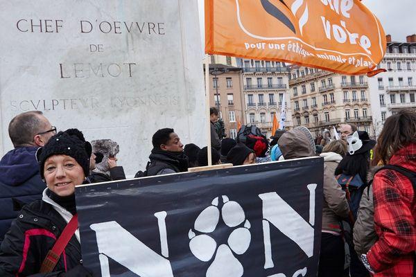 Manifestation de l'association One Voice. Paris. Mars 2018.