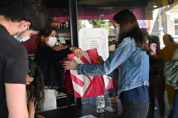 L'enseigne prévoit de distribuer 1 000 burgers gratuits aux étudiants pendant le week-end du 24 et 25 avril.