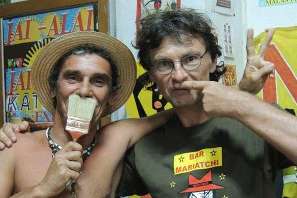 Le musicien Manu Chao et le dessinateur Jacek Wozniak