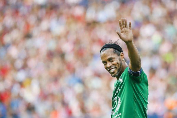 C'est un ancien joueur du Grésilles FC qui a demandé à Ronaldinho de réaliser la vidéo.