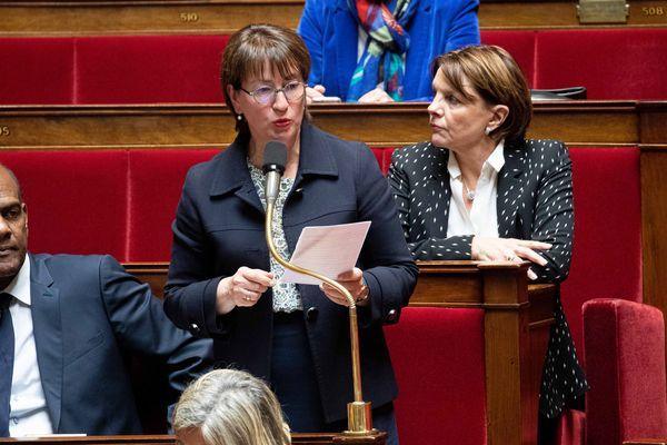 La députée Marietta Karamanli lors d'une séance de questions au gouvernement à l'Assemblée nationale.