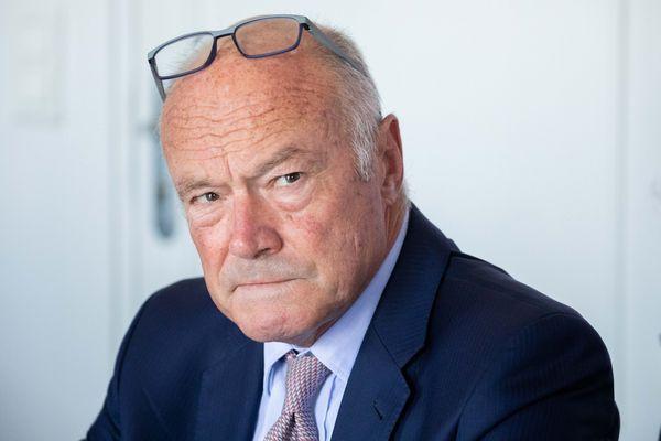Alain Rousset a aussi annoncé qu'il serait candidat à sa succession au conseil régional.
