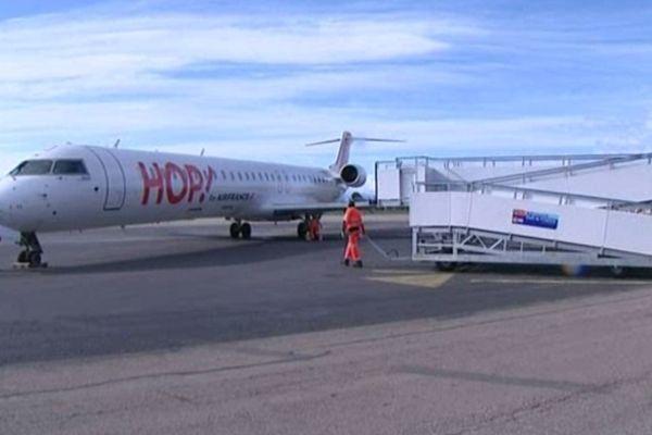 Rivesaltes (Pyrénées-Orientales) - arrivée du premier vol HOP! - 31 mars 2013.