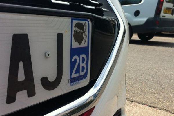 Les plaques d'immatriculation corse en 2A ou 2B, fleurissent sur le continent