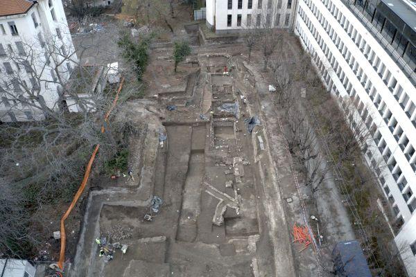 Les fouilles archéologiques s'effectuent sur une surface de 5 000m².