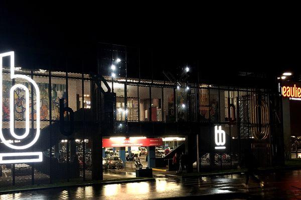 Une quarantaine de Gilets jaunes ont investi le centre commercial Beaulieu, le 14 décembre 2019 à Nantes