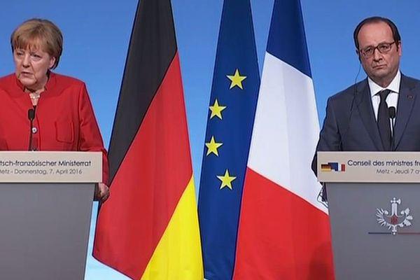 Angela Merkel et François Hollande lors du sommet franco-allemand à Metz le 7 avril 2016.