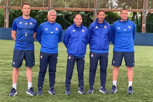 Stéphane Moulin (au centre) avec ses adjoints