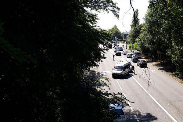 L'accident s'est produit peu après 14h00 ce vendredi à Lambersart