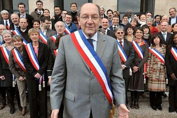 Archives : Philippe Duron élu à la mairie de Caen en mars 2008