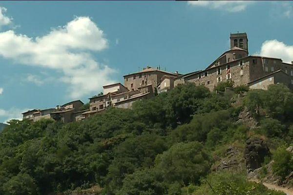 Le village de caractère d'Antraïgues-sur-Volane en Ardèche