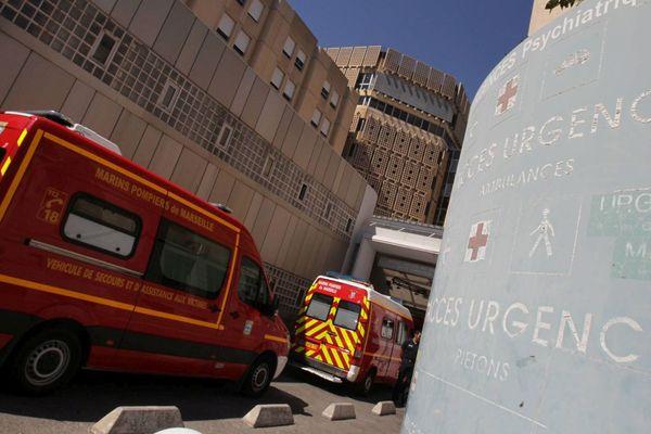 Entrée des urgences de l'hôpital de la Conception, dans le 5ᵉ arrondissement de Marseille.