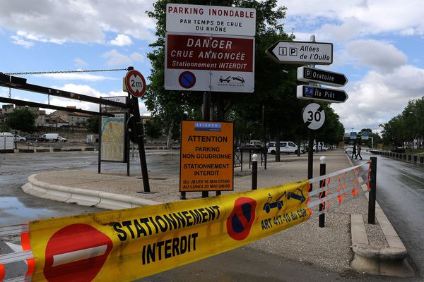 C'est écrit dessus : le parking est inondable (photo prise en 2013)