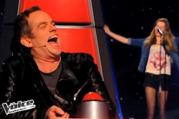 """Liv (au second plan) a beaucoup fait rire Garou, un des coachs de """"The Voice"""""""