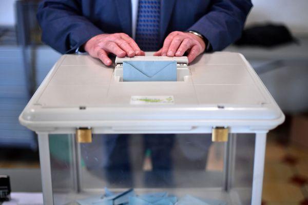 Dimanche 26 mai, lors des élections européennes, à Clermont-Ferrand, la liste de La République En Marche devance Europe Écologie.