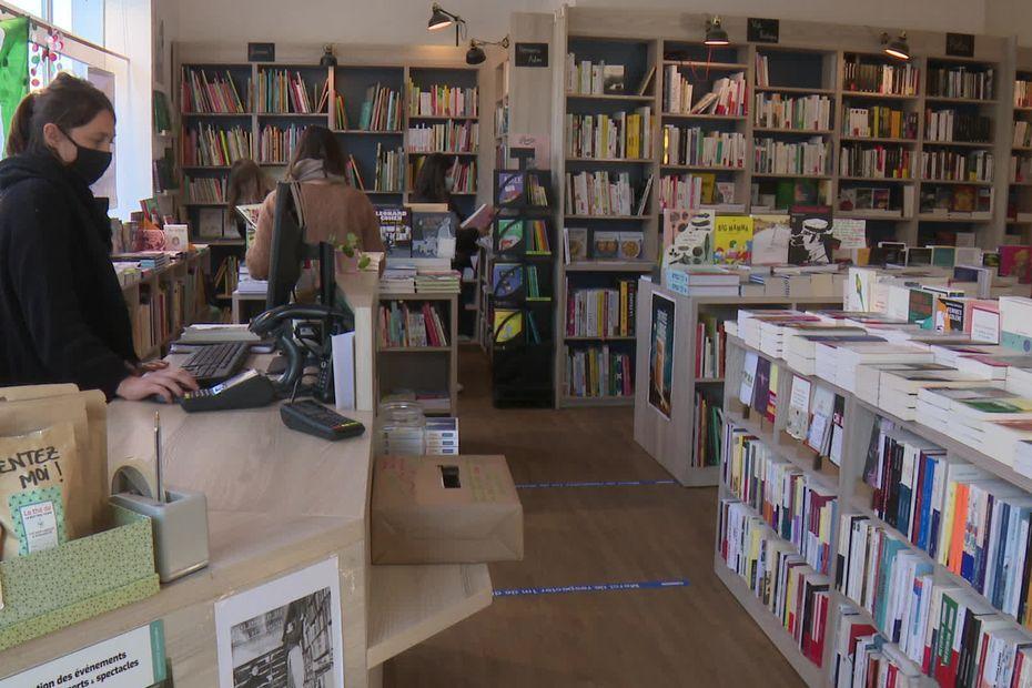 Maisons d'édition débordées, les écrivains se lancent dans l'auto-édition