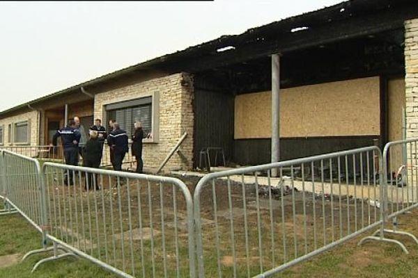 Une enquête est menée par les gendarmes pour connaître les causes de l'incendie