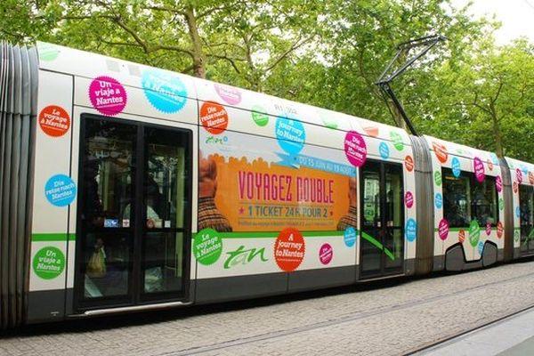 La publicité s'impose partout, pollution visuelle ou ressource économique ?