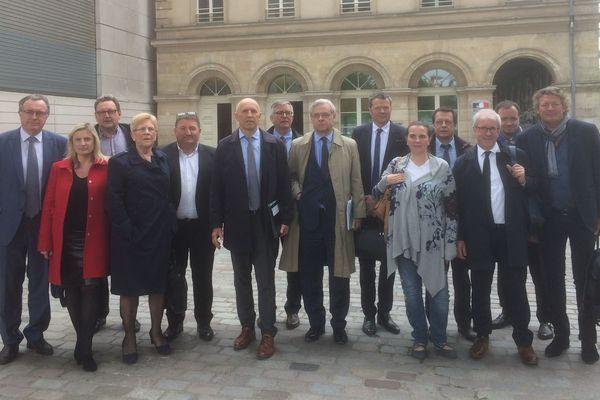 Une quinzaine d'élus lorrains font front commun à Bercy