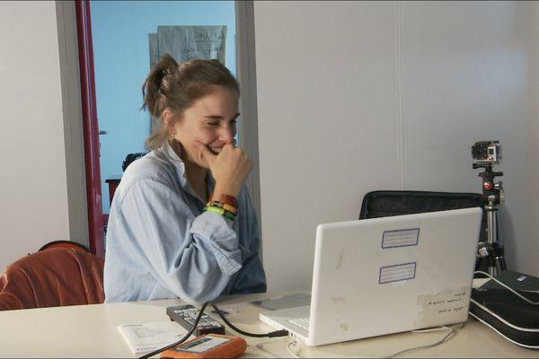 19 ans, étudiante en arts et spectacle, Rennes