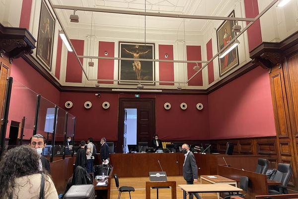 Le procès de Moufide Bouchibi le roi du shit français s'est ouvert ce 1er septembre 21 matin devant le tribunal correctionnel Bordeaux.