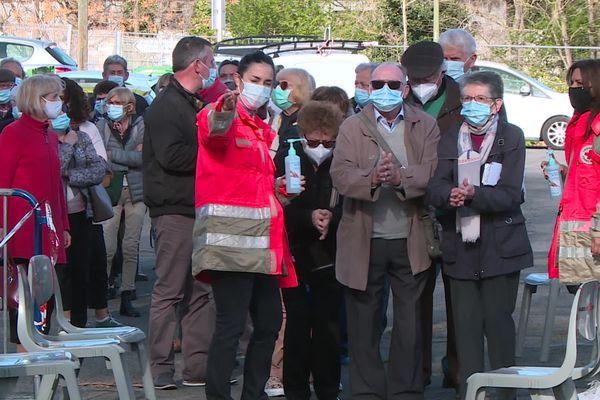 Les étudiants recrutés pour la campagne de vaccination à Toulouse seront encadrés et formés par des professionnels du CHU