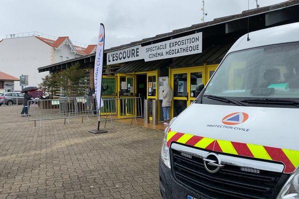 Le centre de dépistage est ouvert au moins pour une semaine dans la salle polyvalente Lescoure à Lacanau océan.