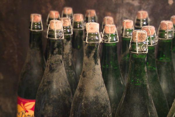 A Auvers, dans la Manche, la maison Hérout fait vieillir du cidre en cave depuis 1997. L'expérience est concluante : il se bonifie avec le temps. Les plus vieux millésimes doivent même être carafés pour livrer toute la subtilité de leurs arômes. Comme les plus grands vins.