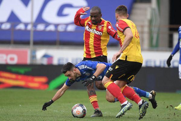 Le RC Lens et Gaël Kakuta, ici en photo, ont dominé Strasbourg (2-1)