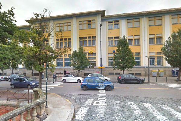 La poste centrale de Perpignan pourrait être convertie en résidence seniors.