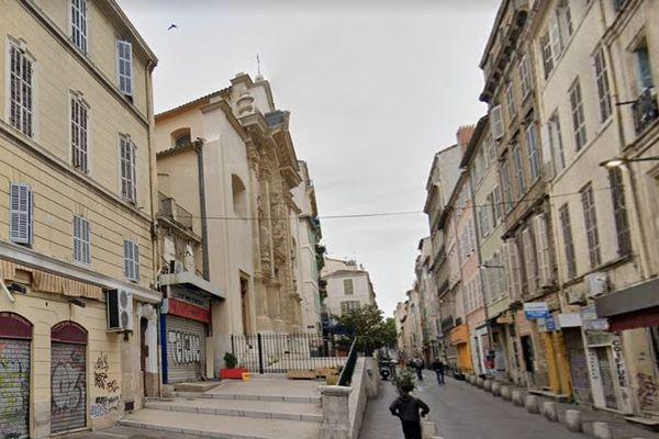 L'agression a eu lieu près de la porte d'Aix à Marseille.