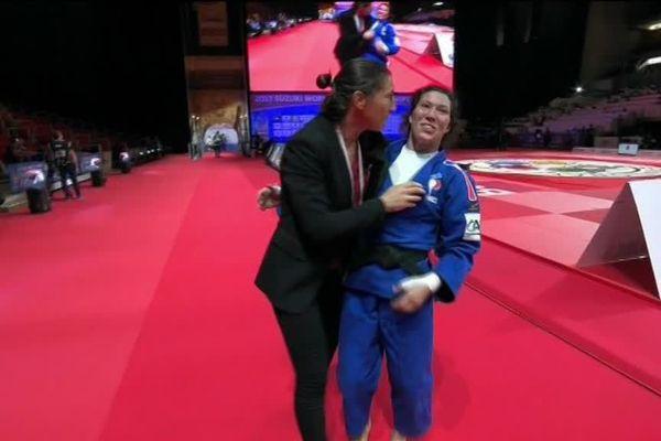 La joie d'Hélène Receveaux après sa victoire à Budapest le 30 août