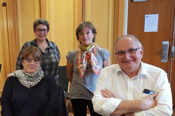 Les membres du bureau de l'ARPD (Assistance et recherche de personnes disparues) A gauche en haut : Delphine Darbonnel, trésorière nationale et Brigitte Perrigault, coordinatrice technique. En bas à gauche, Pascale Bathany, présidente et  Bernard Valezy, vice-président de l'association.