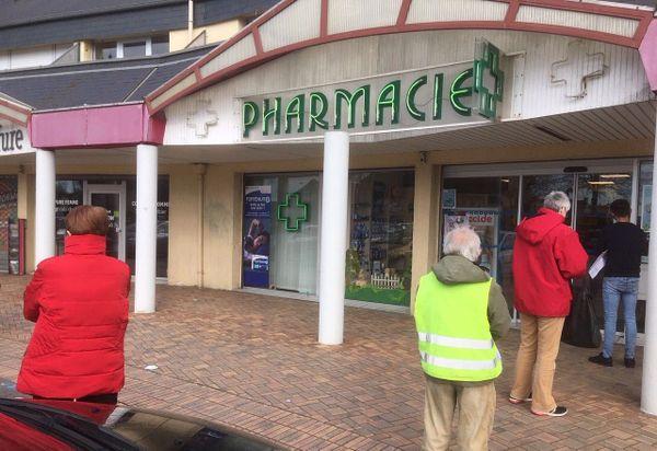 la pharmacie répond toujours la même chose : pas de gel hydroalcoolique !