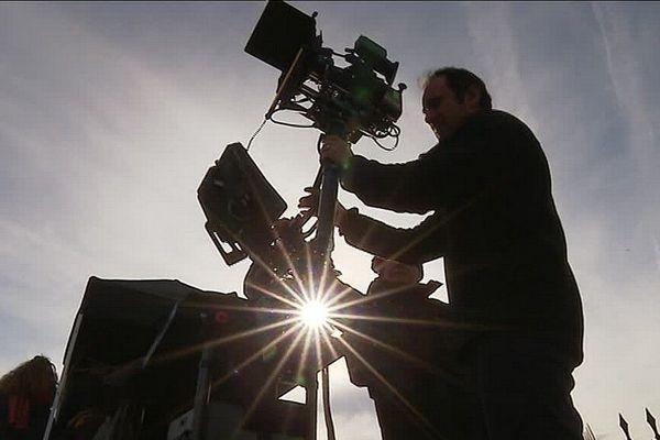 """Caméra dans le cimetière d'Eymoutiers en Haute-Vienne pour le tournage du film """"Les enfants du mensonge"""""""