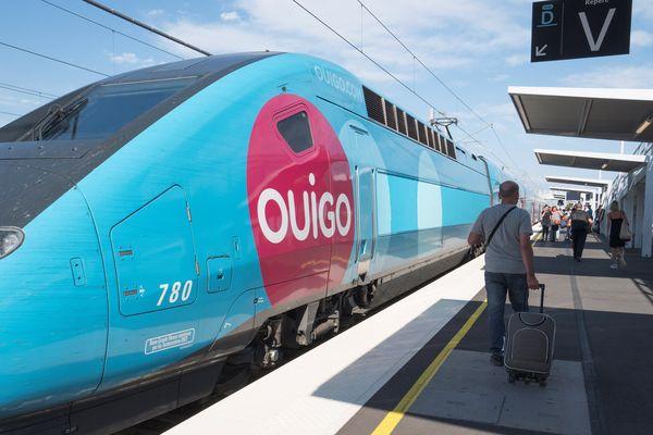 Illustration d'un TGV à quai, à la gare Sud de France, à Montpellier.