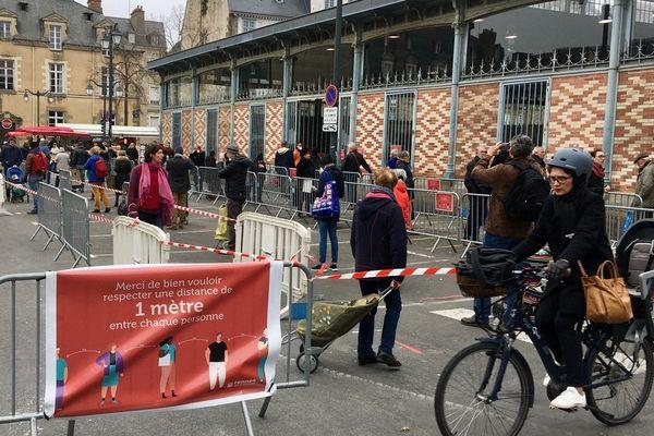 Le marché des Lices à Rennes a dû s'adapter avec l'épidémie de coronavirus